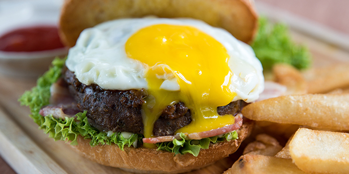 Mama Laksa Beef Burger from Woody Family Cafe in Sembawang, Singapore