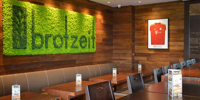 Dining Table, BROTZEIT German Bier Bar & Restaurant (Tsim Sha Tsui), Tsim Sha Tsui, Hong Kong