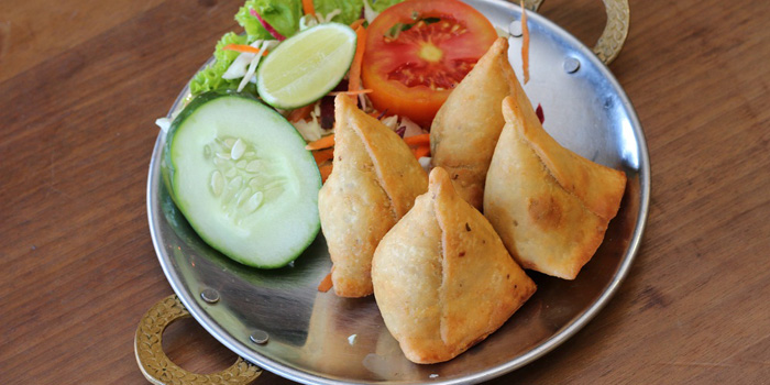 Vegetable & Chicken Samosa at Indian Tandoor, Jimbaran
