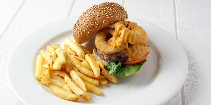 XXL Chicken Burger from Meats N Malts at BreadTalk IHQ in Tai Seng, Singapore