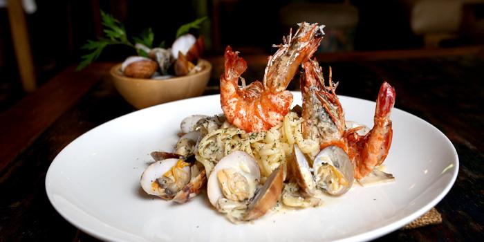 Linguine Mari E Monti at Al Dente Italian Kitchen and Bar, Bali