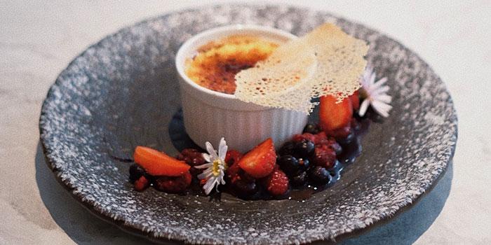 Passion Fruit Creme Brulee at Devon Cafe