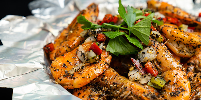 "Black Pepper Prawn from Dating Fish 鱼你有约""音乐主题餐厅 in Chinatown, Singapore"
