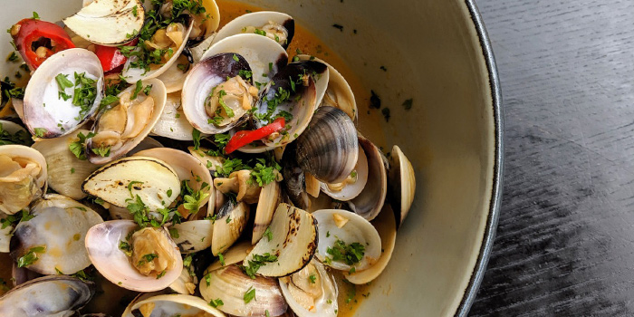Live steamed Clams from Micasa Kitchen & Bar in Jurong, Singapore