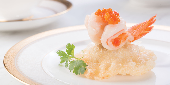 Sauteed Prawns Crab Roe Golden Fried Pork Crab Meat Puffs, T