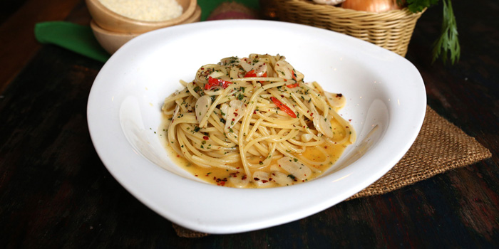 Spaghetti Aglio Alio at Al Dente Italian Kitchen and Bar, Bali