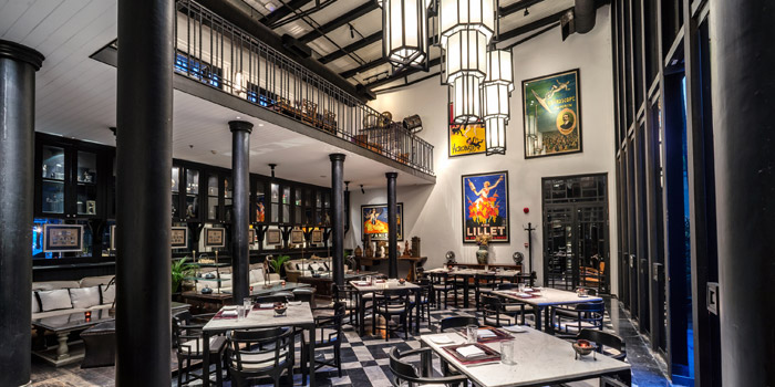 Ambience of Deco Bar & Bistro at 3/2 Thanon Khao Vachirapayabal, Dusit Bangkok