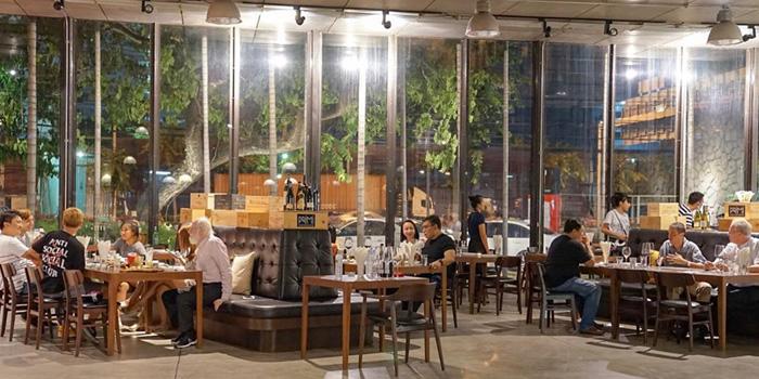 Ambience of Primi Italian Kitchen and Wine Room at 483/1 Rama III Road Bang Klo, Bangkorlearm Bangkok
