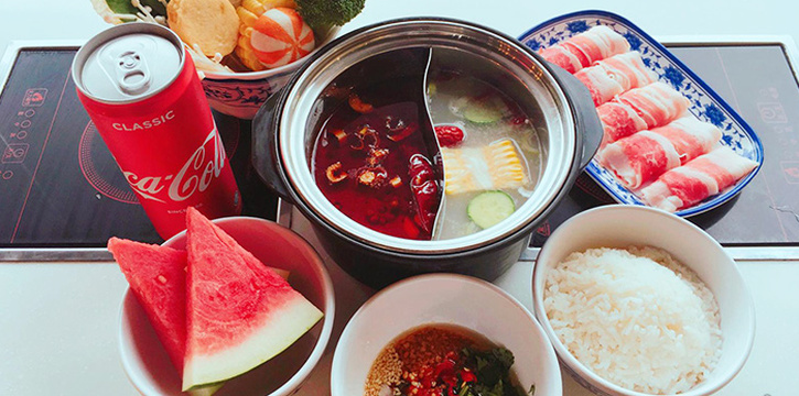 Hotpot from La Jiang Shan Hotpot at Parklane Shopping Mall in Dhoby Ghaut, Singapore