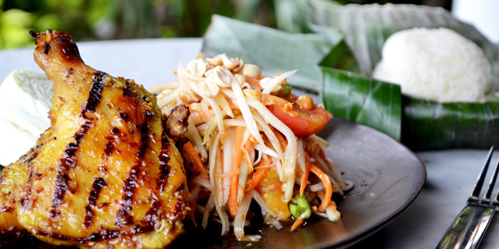 Grilled Chicken & Papaya Salad from Chon Thai Restaurant at 3/2 Thanon Khao Vachirapayabal, Dusit Bangkok