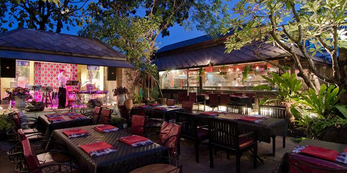 Outdoor Seating from Chili La Roni at 7 Srinakarin Road Bangna,Bangkok