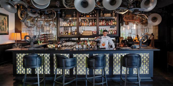 The Bar of Deco Bar & Bistro at 3/2 Thanon Khao Vachirapayabal, Dusit Bangkok
