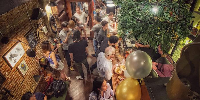 Ambience of Olá Thai Tapas Bar And Cafe at 18, 1 Charoen Krung Rd Wang Burapha Phirom, Phra Nakhon Bangkok