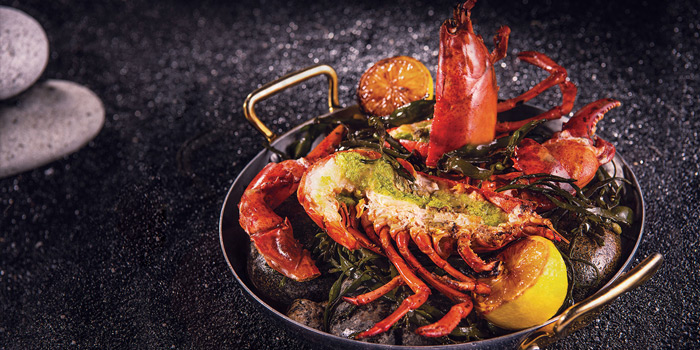 Boston Lobster Baked On Beach Stones And Seaweed, Bostonian Seafood & Grill, Tsim Sha Tsui, Hong Kong