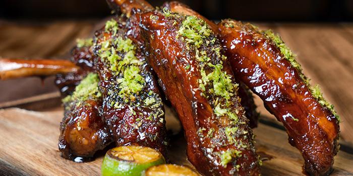 Honey-glazed Kurobuta Pork Ribs from Blue Lotus Chinese Eating House in Sentosa, Singapore