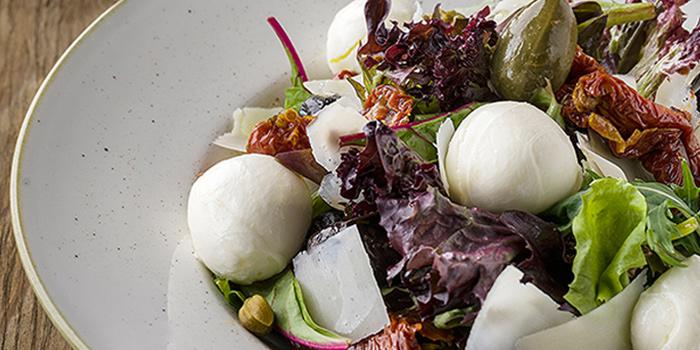 Mediterranea Salad from The Mast