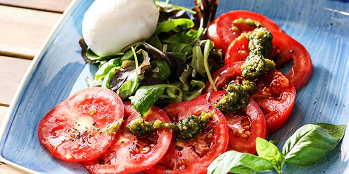 Mozzarella E Pomodoro from The Mast