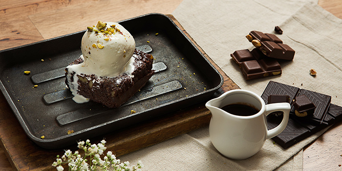 Sizzling Brownie from Copper Chimney (Marina Bay Financial Center) in Marina Bay, Singapore