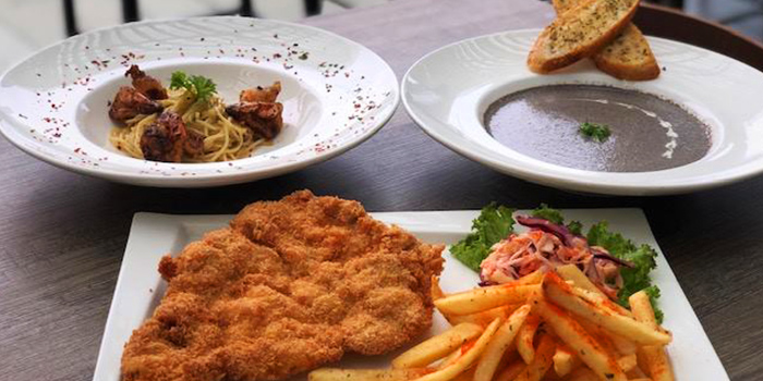 Food Spread from The Tipsy Cow (Central) in Clarke Quay, Singapore