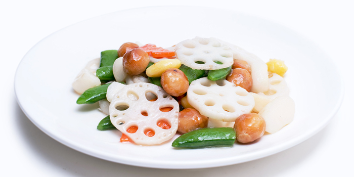 Stir Fried Lotus Roots w Macadamia Nut from Dian Xiao Er (NEX) in Serangoon, Singapore