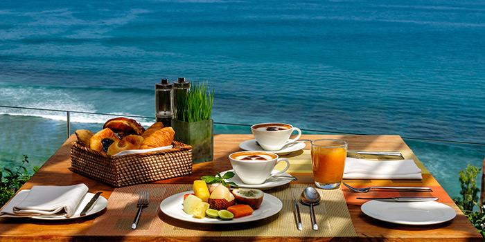 Breakfast at 360 Roof Top Restaurant, Uluwatu, Bali