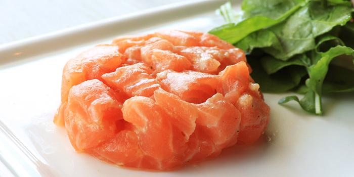 Salmon Tartare from Love Me Tender - à la plancha - at 163/1 Soi Sukhumvit 39 Klong Tan Neua, Wattana Bangkok