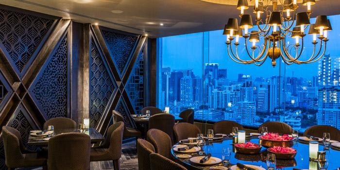 Dining Area of Maya Restaurant & Bar at Holiday Inn Sukhumvit, Bangkok