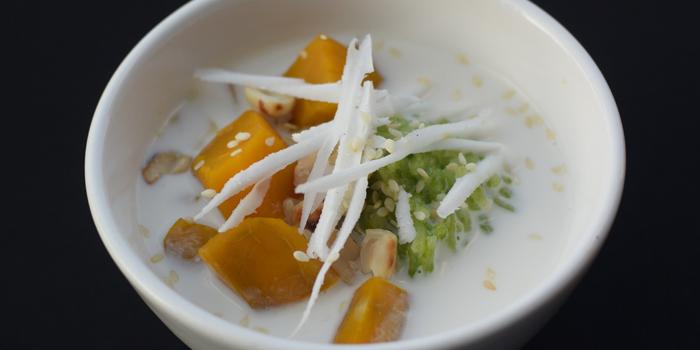 Desert Dishes from Pho Van Vietnamese Restaurant Srinakarin at 127 Soi Moo Ban Seri Villa Yaek 2 Nong Bon, Prawet Bangkok