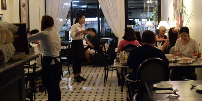 Dining Area of Pho Van Vietnamese Restaurant Srinakarin at 127 Soi Moo Ban Seri Villa Yaek 2 Nong Bon, Prawet Bangkok