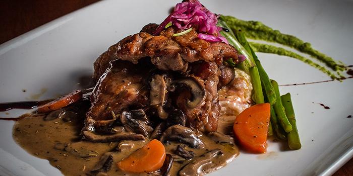 Pollo con Salsa al Vino Biano e Roshari from Pietro Ristorante Italiano at Seletar Hills in Seletar, Singapore