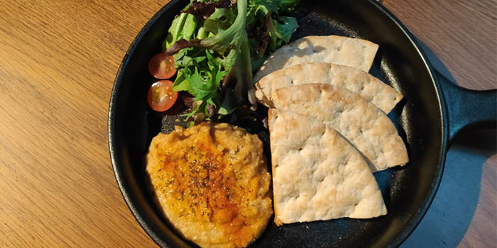 Hummus Flatbread from Heart of Darkness in Tanjong Pagar, Singapore