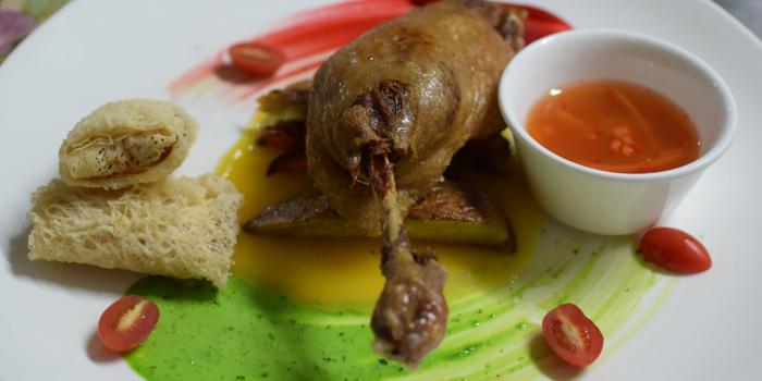 Special Dishes from Pho Van Vietnamese Restaurant Srinakarin at 127 Soi Moo Ban Seri Villa Yaek 2 Nong Bon, Prawet Bangkok