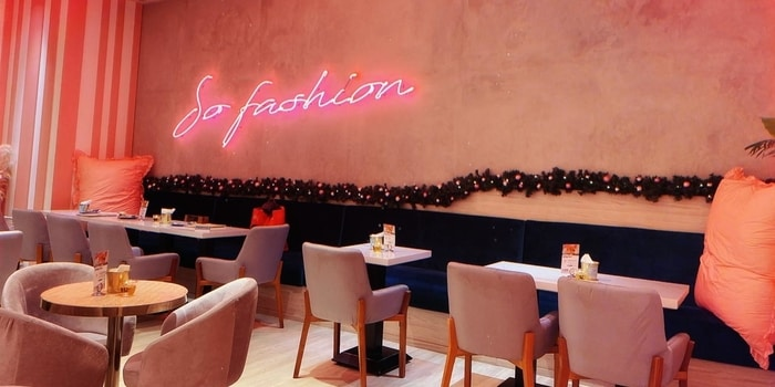 Ambience from So Fashion Cafe