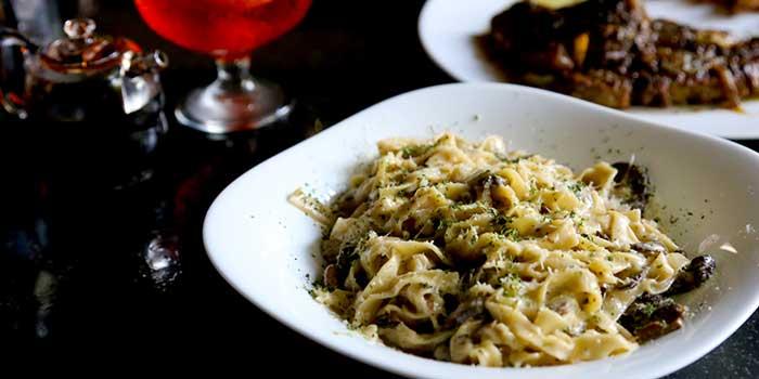 Spaghetti Specials at Mamma Rosy