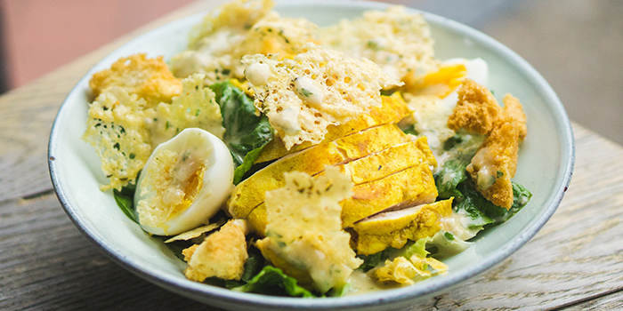Caesar Salad with Turmeric Chicken from Sarnies Cafe at Telok Ayer in Raffles Place, Singapore
