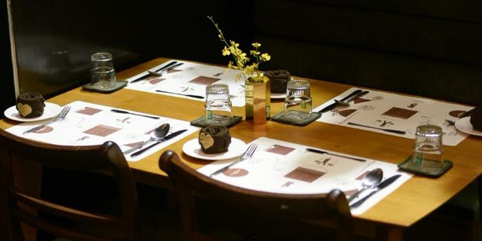 Dining Area of Hybe.Songwat at 393 Trok Saphan Yuan songwat road Bangkok