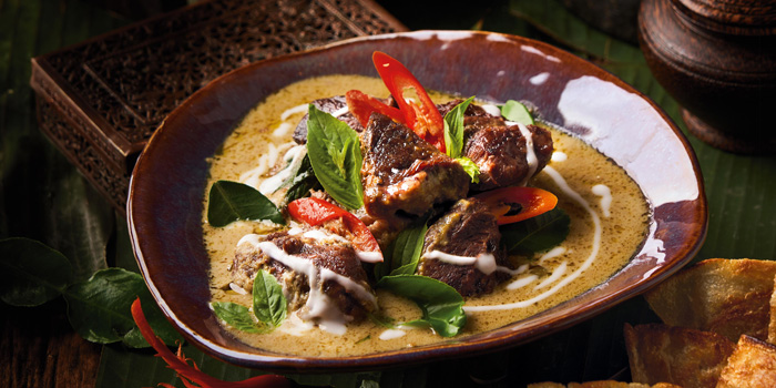 Gaeng Kiew Warn Nua Toon Gab Roti from Spice Market at Anantara Siam in Ratchadamri, Bangkok