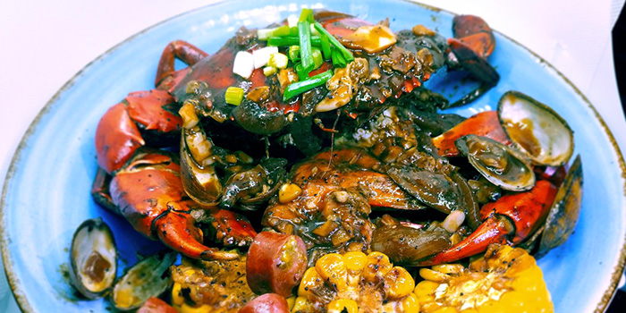 Black Pepper Crab from Red Crab at Village Hotel Albert Court in Bugis, Singapore