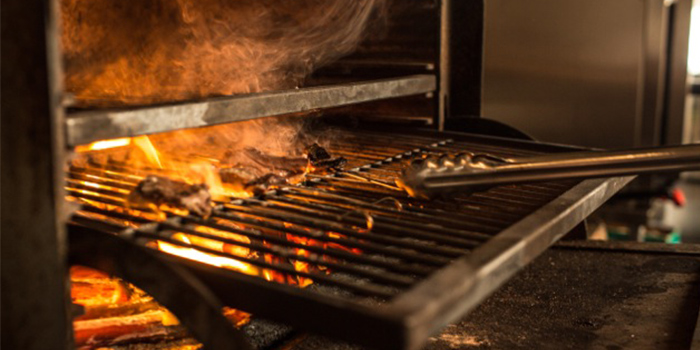 Charcoal Oven from Moosehead Kitchen & Bar on Telok Ayer Street in Raffles Place, Singapore