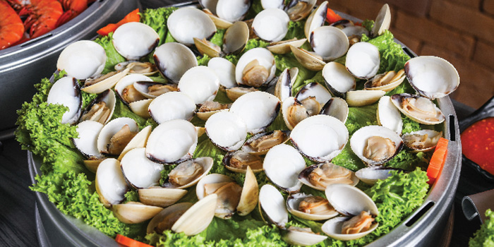 Steamed Venus Clams from Captain K Seafood Tower at Midland House in Bugis, Singapore