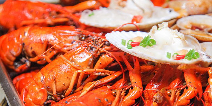 Seafood Feast from Happy Dining Seafood 喜来聚海鲜 in Chinatown, Singapore