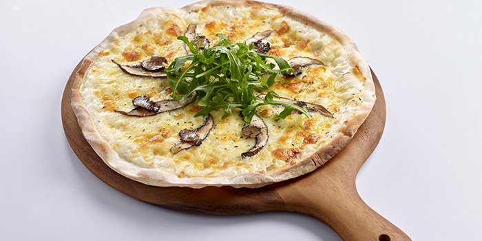 Pizza from Elemen @ HarbourFront Centre in HarbourFront, Singapore