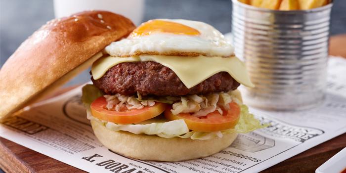 Beef-Burger from of En Vogue in Karon, Phuket Thailand