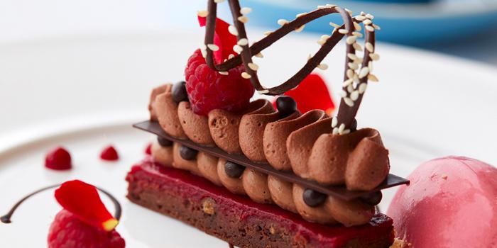 Cranberry cake with chocolate mousse, Tosca di Angelo, Tsim Sha Tsui, Hong Kong