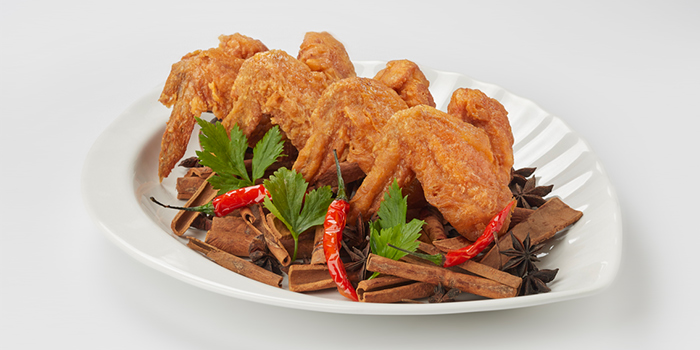 Prawn Paste Fried Chicken Wings from Lai Bao Fish Head Steamboat 徕寶鱼头炉 in Toa Payoh, Singapore