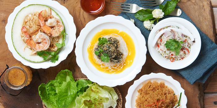 Selection of Mixed Appetizers from Khao at Tonson at 34/1 Soi Tonson, Lumpini, Pathumwan, Bangkok