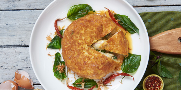 Thai Crab Omelette from Khao at Tonson at 34/1 Soi Tonson, Lumpini, Pathumwan, Bangkok