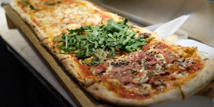 1 Metre Pizza at Black Sheep Kemang