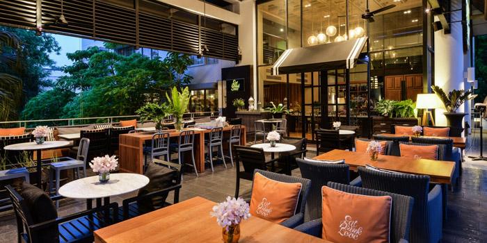 Ambience of Eat Drink Love Bistro Srinakarin at The Park Nine, 26 Srinakarin 59 Road Nong Bon, Prawet, Bangkok