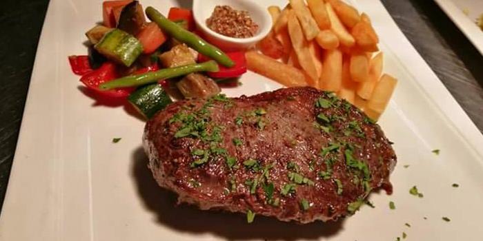 Grilled Tenderloin from Vinifera Wine Bar and Restaurant at 201 Chokchai 4 soi 54 Ladprao, Ladprao Bangkok